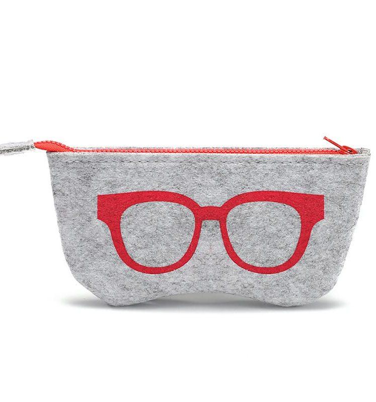 Etoui. Briletui. Vilten opbergetui voor je leesbril of zonnebril om deze te beschermen tegen stoten, krassen en beschadigingen